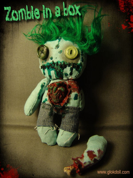 Zombie in a Box N°13